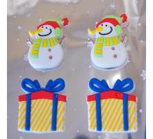 Магнит новогодний «Снеговик и подарок»