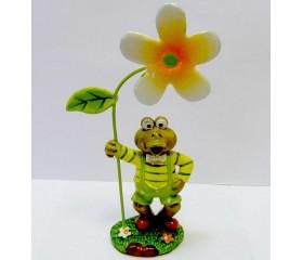 Декоративная фигурка «Лягушонок с цветком»