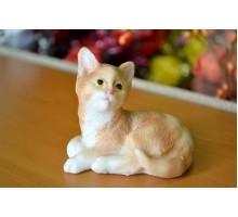 Котёнок сидящий/фигурка